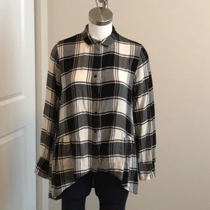 Peace & Pearls Flannel Top Size Medium